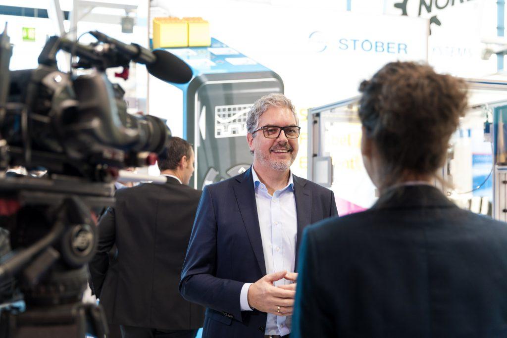 """Patrick Stöber: """"Mit dem Antriebsregler SD6 kombiniert mit dem Sicherheitsmodul SE6 haben wir eine flexible Lösung auf den Markt gebracht."""""""