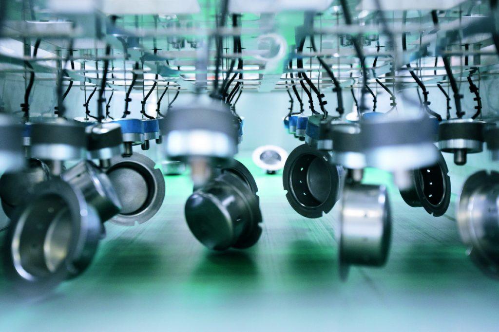 Als sicherheitskritische Verbindungsbauteile müssen Diffusoren sowohl schnell und effizient als auch besonders zuverlässig geprüft werden.