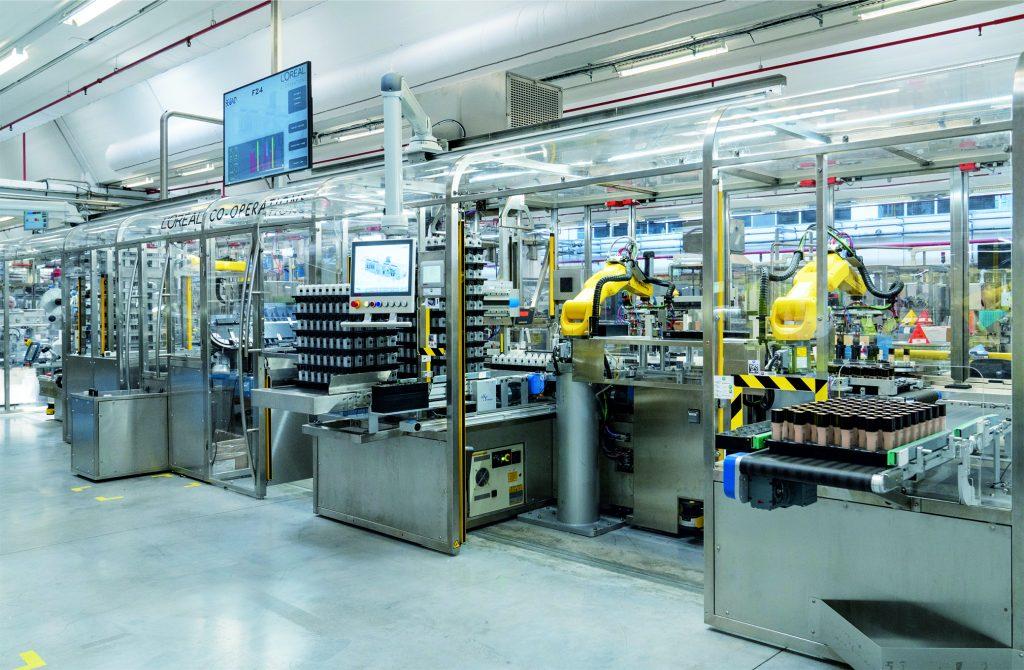 Die neue flexible Linie Agile F24 vereint die Funktionalität von fünf bisher separaten Maschinen, optimiert den Materialfluss und erhöht die Ausbringung.