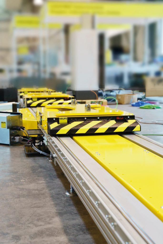 Das e-Cart-Fördersystem wird unter anderem bei einem deutschen Automobilhersteller in der Produktion von Elektroautos eingesetzt.