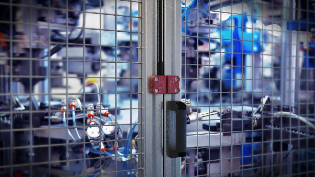 Schutztüren sollten eine gefährliche Maschinenbewegung nur zulassen, wenn sie geschlossen sind.