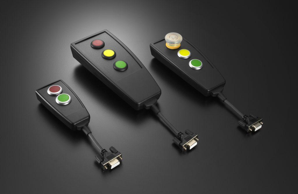 ie neuen in drei Gehäusegrößen erhältlichen Bedien-Handhelds von EVG werden anschlussfertig in kundenspezifischer Ausführung geliefert