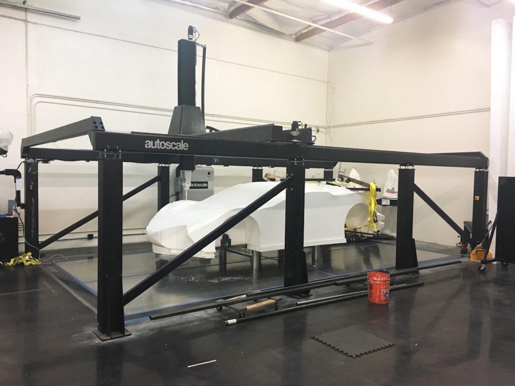 Die CNC-Maschinen von Autoscale können Objekte von nahezu 5m Länge schneiden.