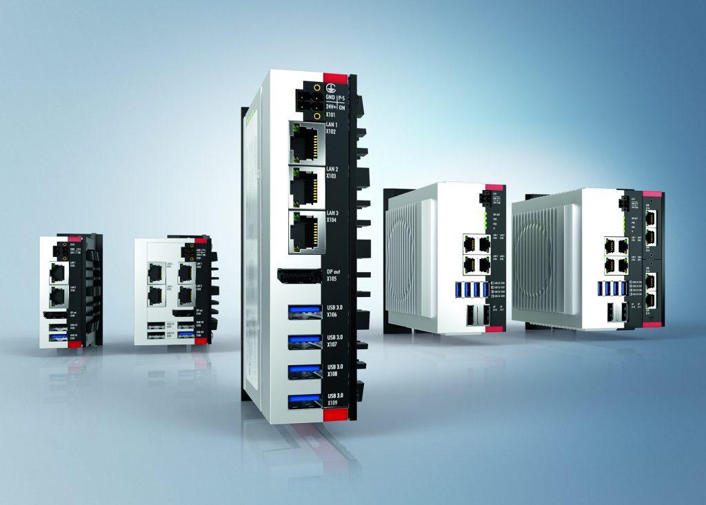 Mit der modernen und flexibel montierbaren Ultra-Kompakt-IPC-Serie C60xx stehen inklusive des neuen lüfterlosen Intel-Core-i-Rechners C6025 (Mitte) auch alle drei neuen Intel-Prozessorgenerationen zur Verfügung.